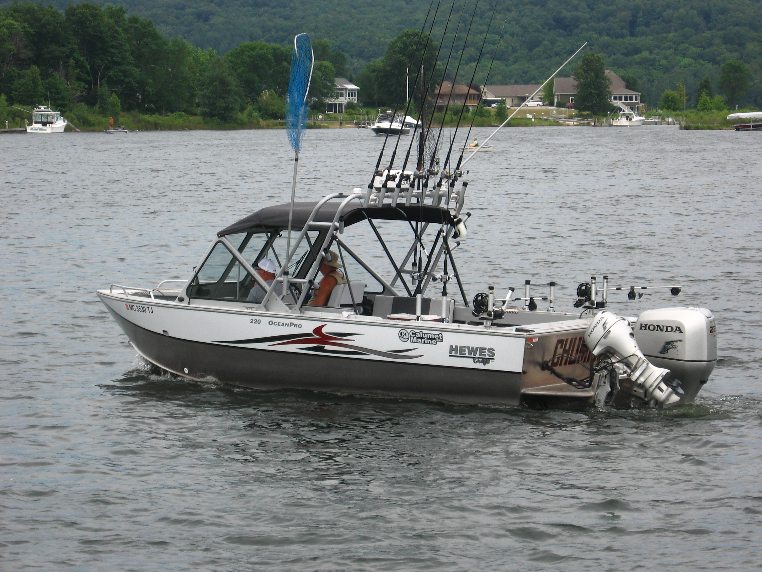 Hewes craft 22 ocean pro michigan sportsman online for Used aluminum fishing boats for sale in michigan